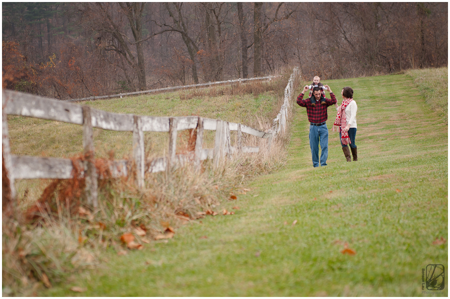 Family portraits at Sherwood Farms in Loch Raven Maryland taken by Benson Lau Photography 4.jpg